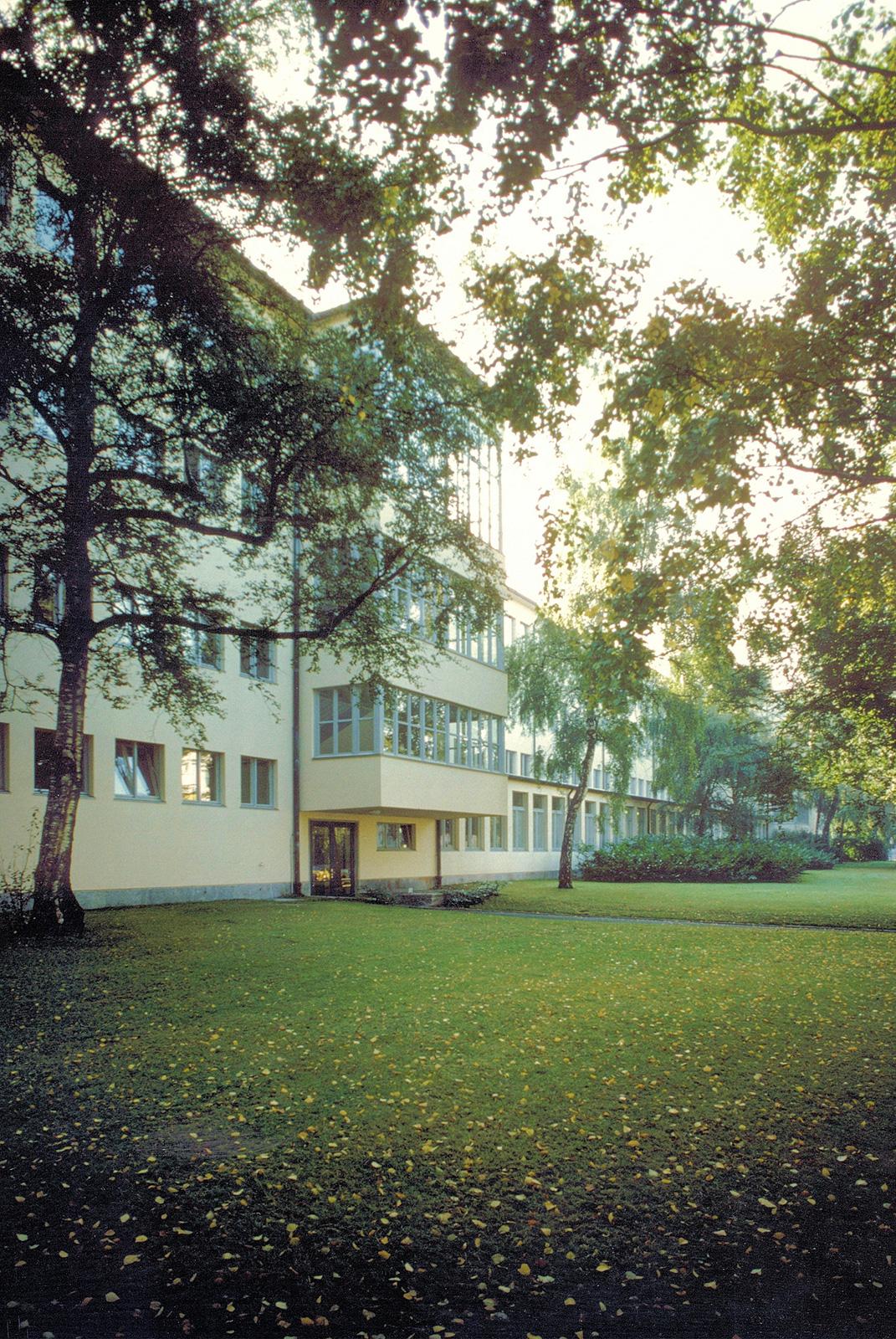 7501 Schulhaus Buhnrain